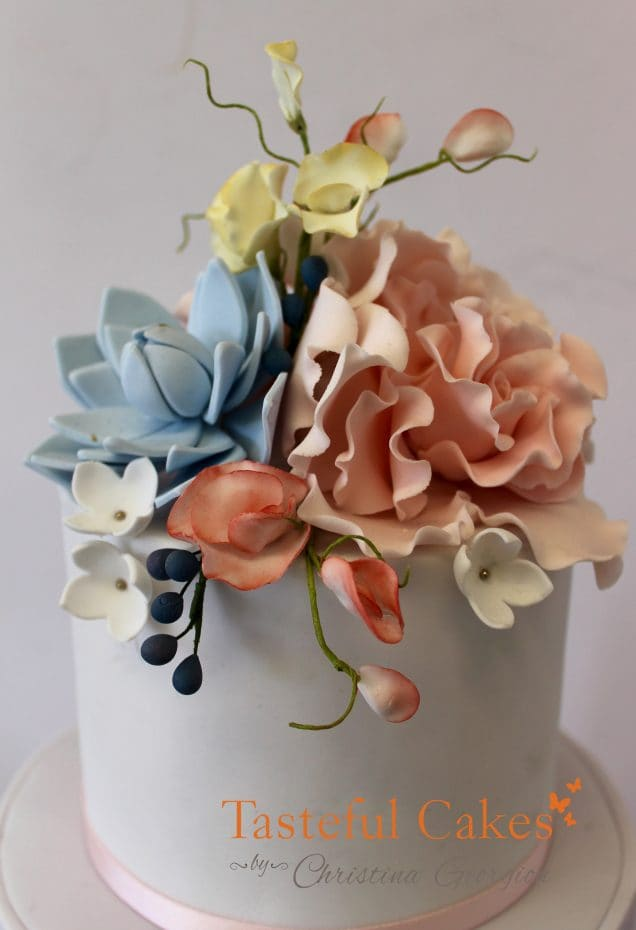 Sugar wired flower class, three tire wedding cake, Sugar wired flower arangement
