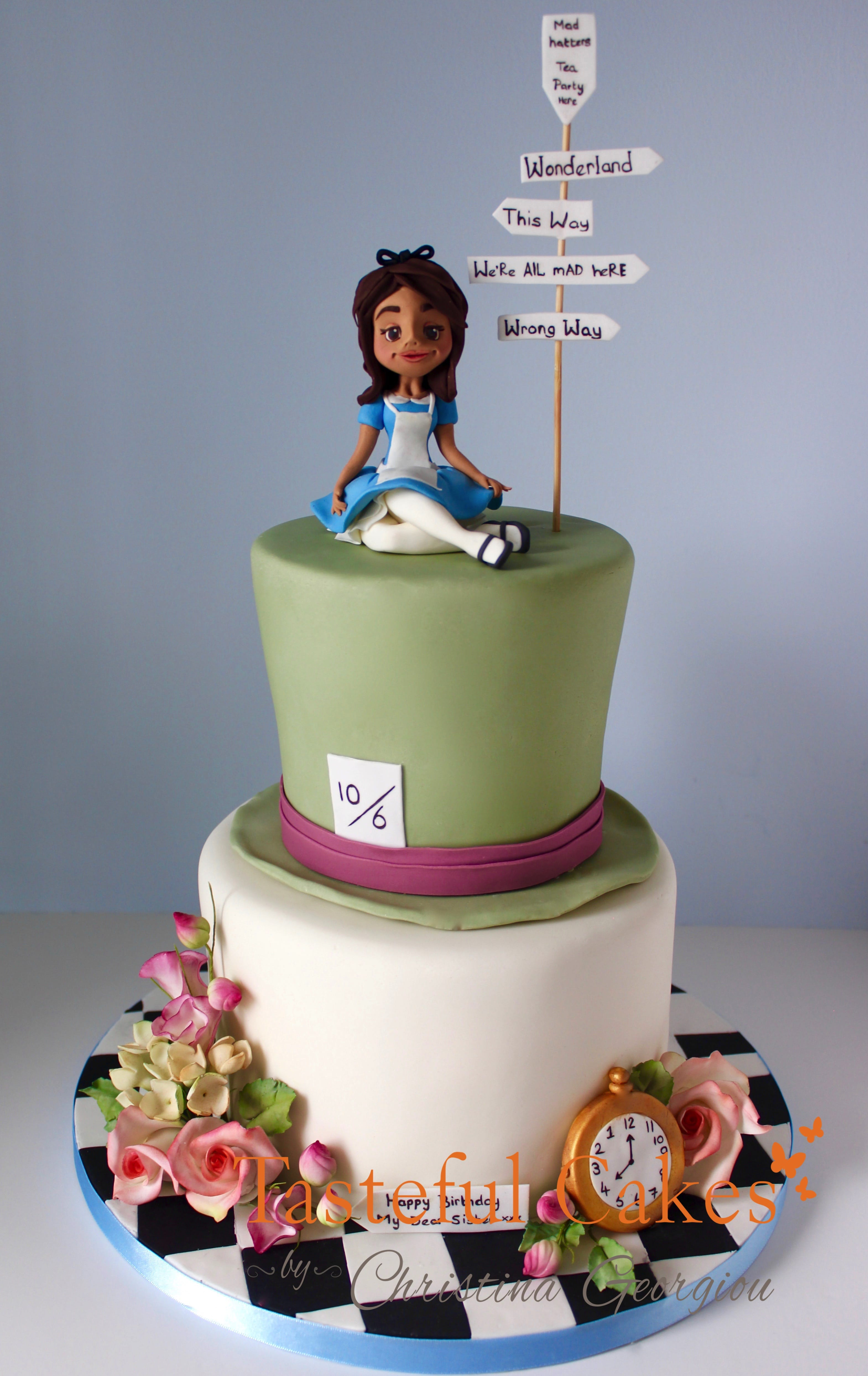 Tasteful Cakes By Christina Georgiou Alice And Wonderland Mad